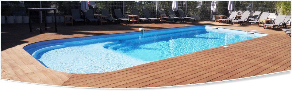 piscine coque avec plage enfants